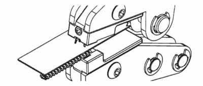 Anfangsteil Sp10 mittels MFZ an Spiralreißverschluss montieren: 2. Arbeitsschritt