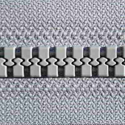 Injection moulded zipper
