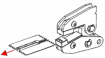 U-förmiges Endteil mittels MFZ an Spiralreißverschluss montieren: 4. Arbeitsschritt